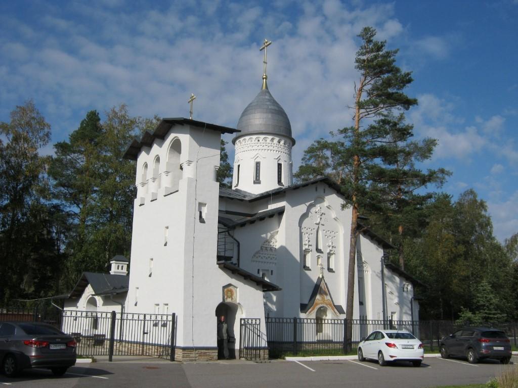 Храмы Санкт-Петербурга: фото с названием и описанием. Церковь Покрова Пресвятой Богородицы. Вид с юго-запада