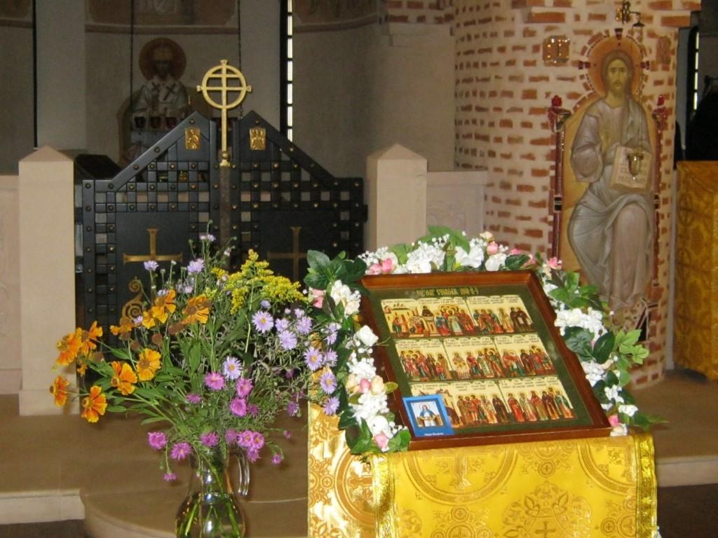 Храмы Санкт-Петербурга: фото с названием и описанием. Иконостас и внутреннее убранство церкви